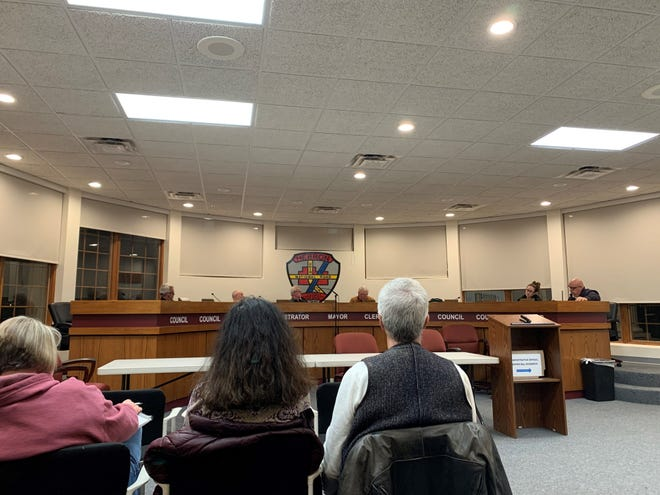 Union Township residents sit in on a Refugee-Canyon Joint Fire District meeting in Hebron's Administration Building on Thursday, Jan. 23, 2020.