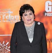 """Carmen Salinas agradece al público su preferencia por los programas de comedia familiar como """"Nosotros los Guapos""""."""