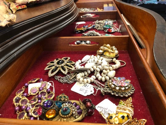 Antique jewelry on display at Shabby Chic of Dreams.