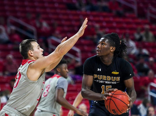 Purdue Fort Wayne's Deonte Billups (15) looks to make a basket during the game against USD on Thursday, Jan. 23, 2020 at the Sanford Coyote Sports Center in Vermillion, S.D.