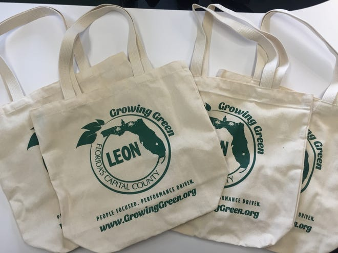 Leon County Growing Green canvas tote bags.