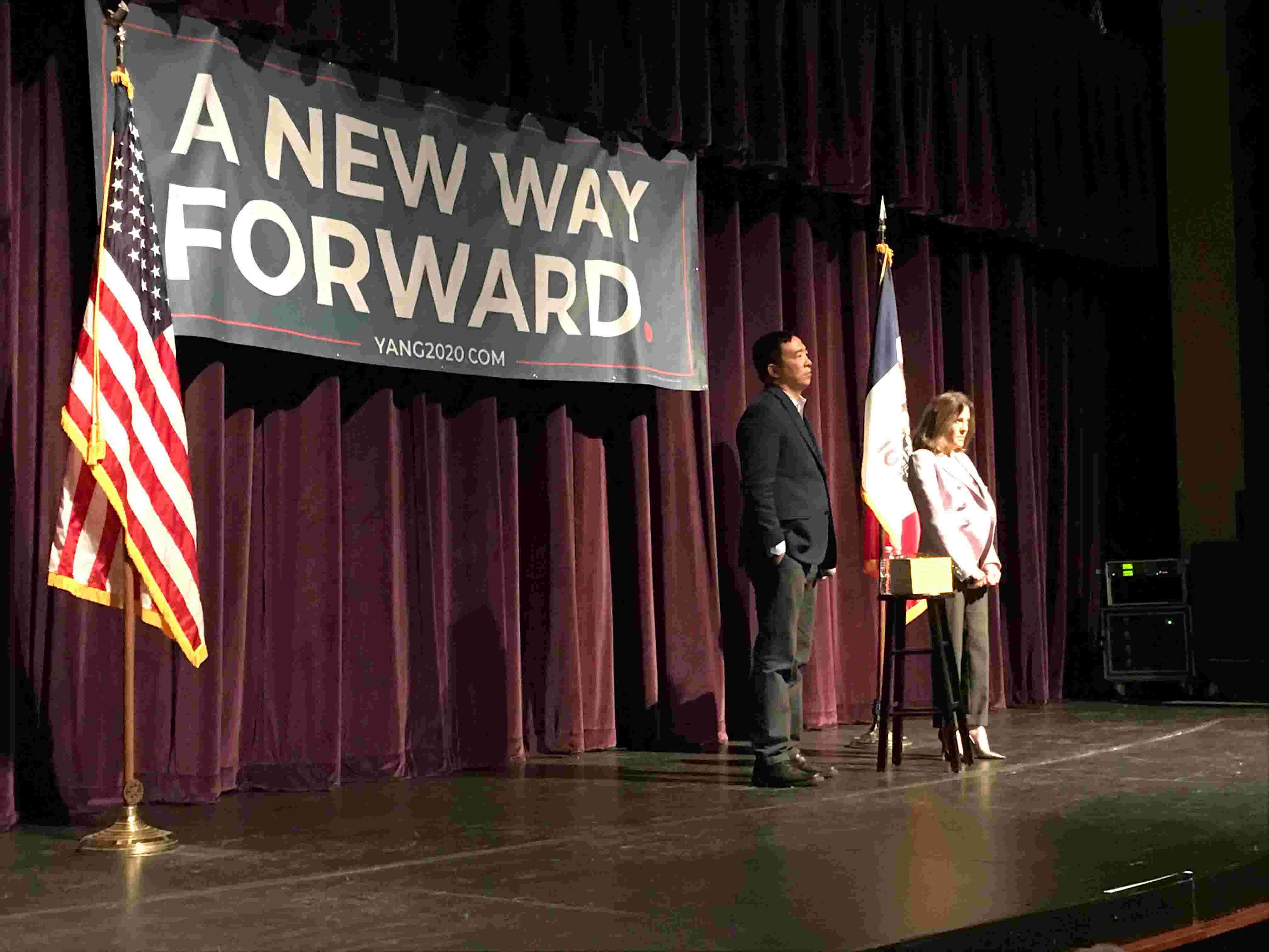 Marianne Williamson and Andrew Yang in Fairfield, Iowa