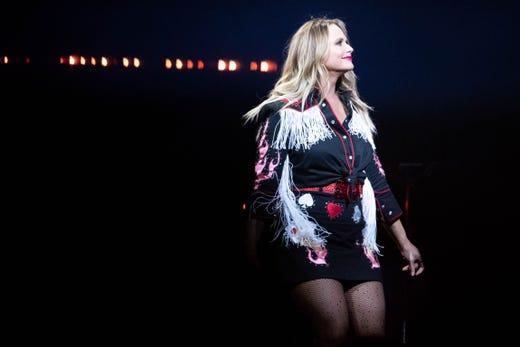 Miranda Lambert's 'Wildcard' tour deals a winning hand in Nashville