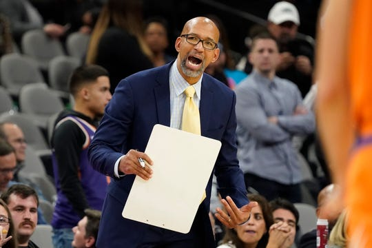 Jan 24, 2020; San Antonio, Texas, USA; Phoenix Suns head coach Monty Williams talks with players in the second half against the San Antonio Spurs at AT&T Center. Mandatory Credit: Scott Wachter-USA TODAY Sports