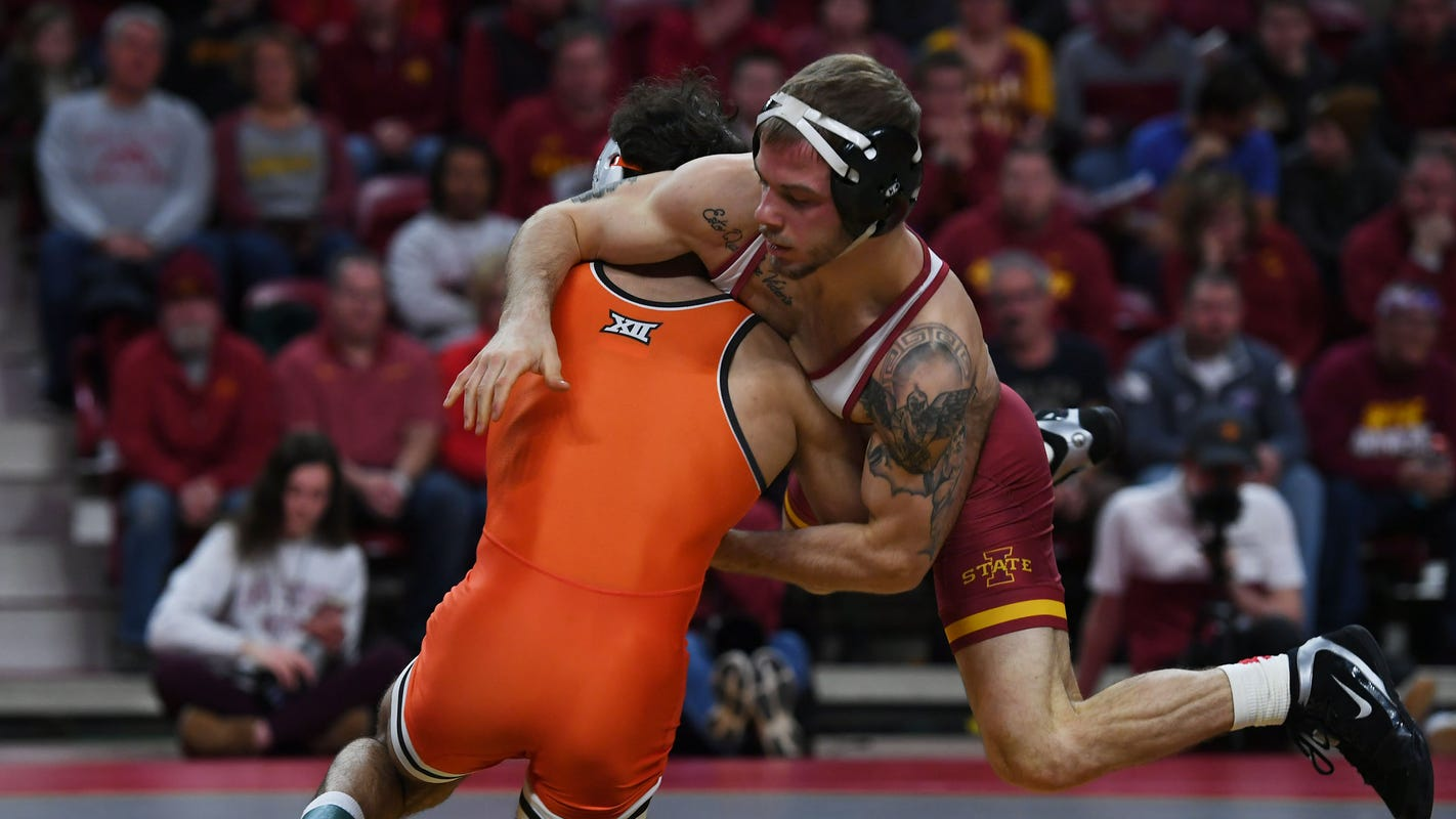 Wrestling: Cyclones look flat in lopsided loss to No. 10 Oklahoma State