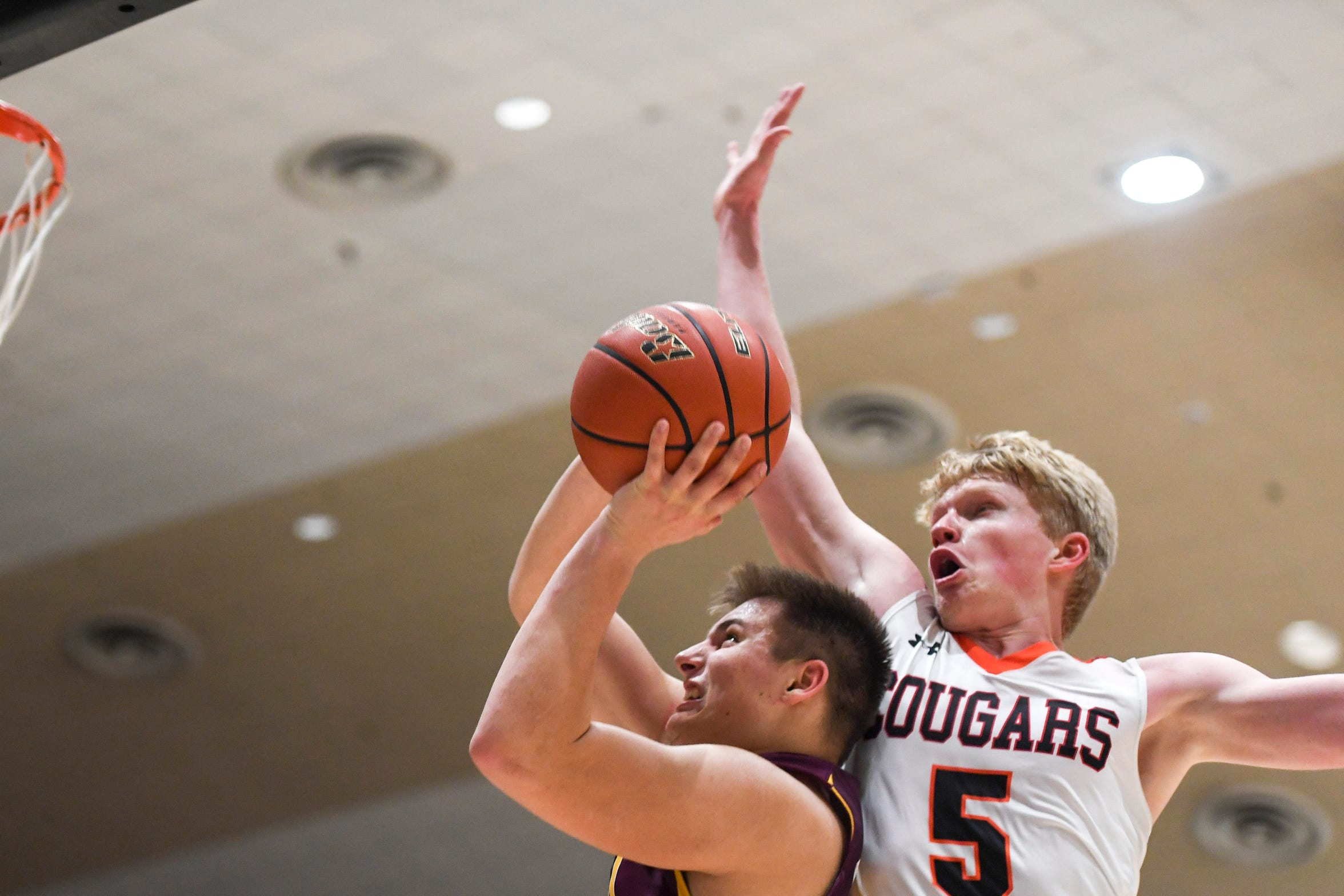 De Smet's Kalen Garry (15) goes up for a basket during the game against Viborg-Hurley on Saturday, Jan. 25, 2020 at the Corn Palace in Mitchell, S.D.