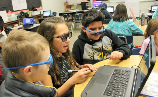 Stock photo of North Elementary students using zSpace.  Alamogordo Public Schools began using zSpace technology at the beginning of the 2019-2020 school year to teach students sciences, social studies and more.