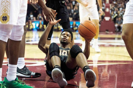 Florida State forward Malik Osborne (10) is helps up from the paint the second half of an NCAA college basketball game against Notre Dame in Tallahassee, Fla., Saturday, Jan. 25, 2020. Florida State defeated Notre Dame 85-84. (AP Photo/Mark Wallheiser)