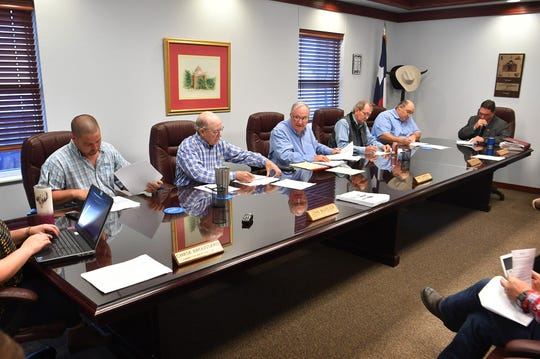 The Clay County Commissioner's Court voted unanimously in favor of a resolution declaring Clay County as a Second Amendment Sanctuary County Monday morning.
