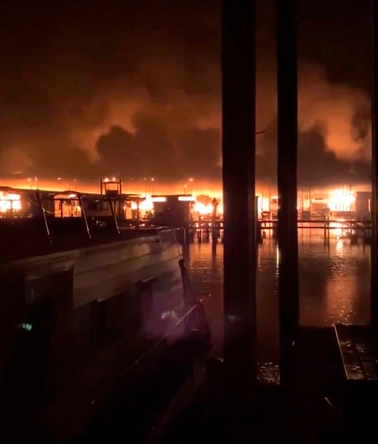 'You could hear people screaming': Alabama fire chief confirms 8 deaths after fire destroys 35 boats