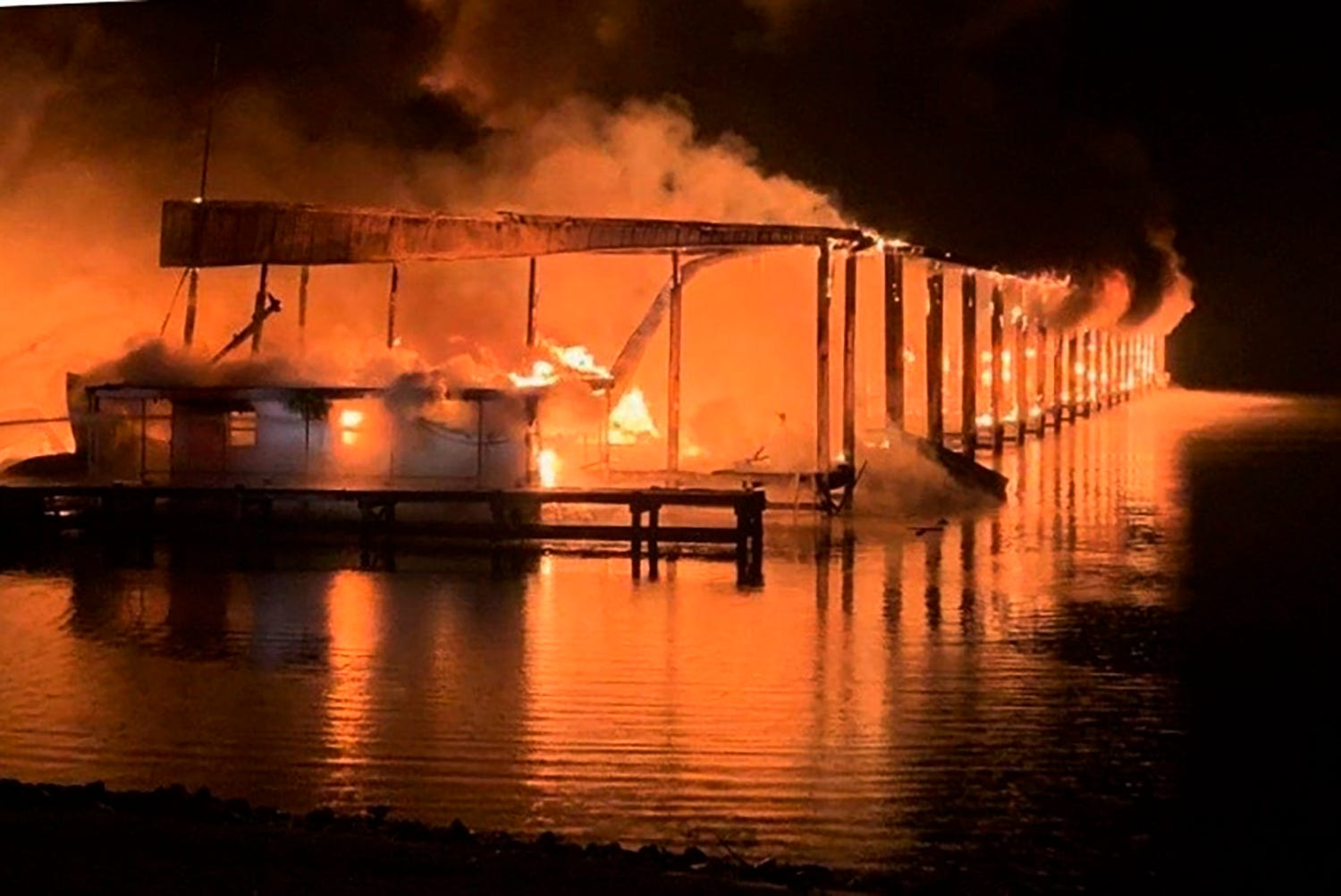 Alabama fire chief confirms 8 deaths after fire destroys 35 boats