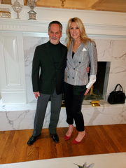 Scott and Roz Jacobson host preview dinner