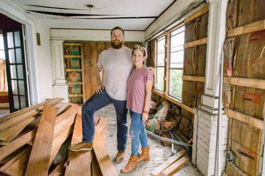 "Ben and Erin Napier, hosts of the HGTV show ""Hometown,"" will tackle an entire community makeover in a new show ""Home Town Takeover."" Residents and community groups in Bath, Charlotte and Grand Ledge plan to submit nominations to be considered for the new show's upcoming season."