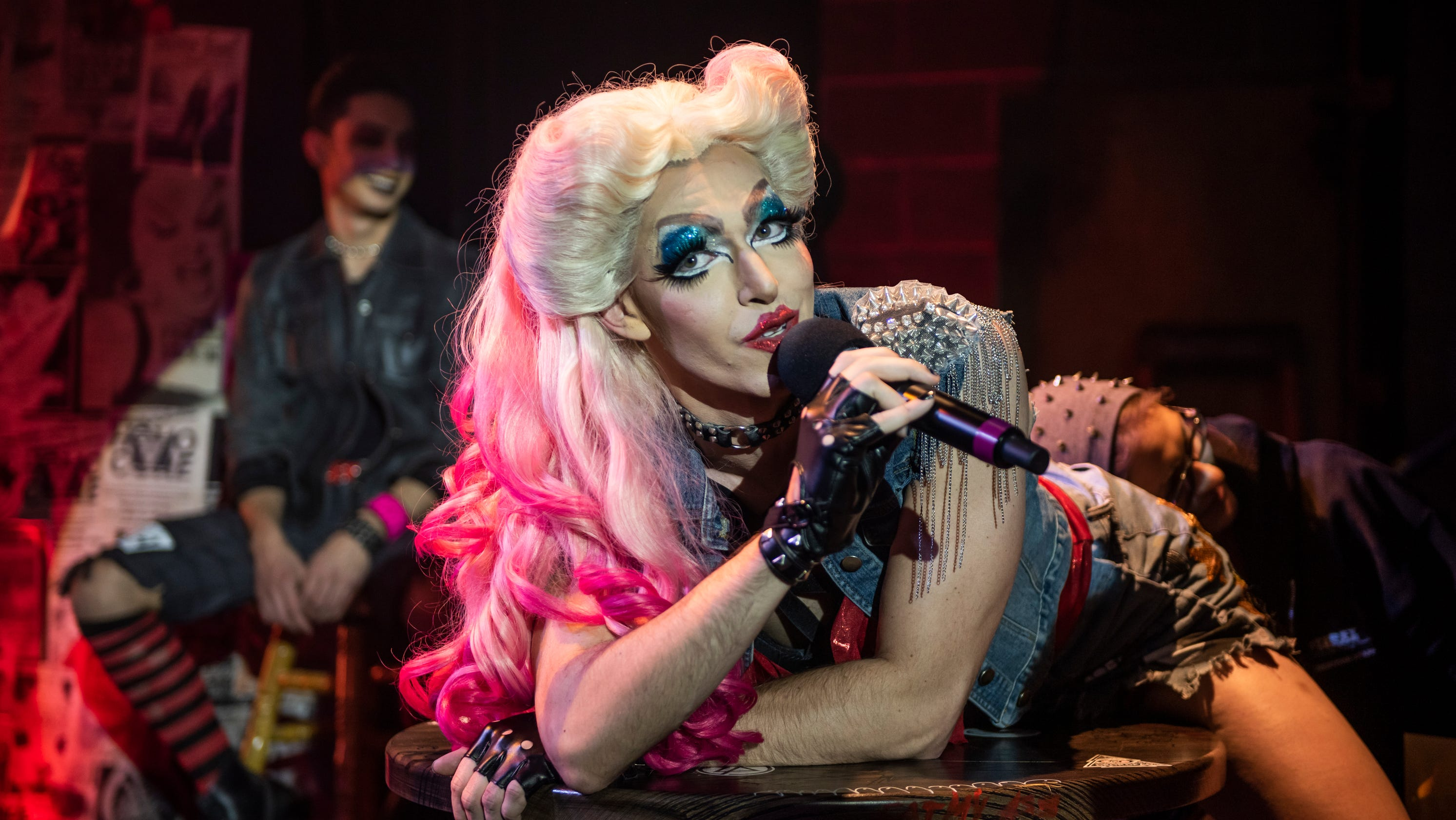 Hedwig and the Angry Inch' turns Milwaukee Rep into a house of rock
