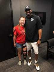 Navine Mallon of Tucson Flowing Wells girls basketball and Kobe Bryant at The PHHacility in Phoenix in May 2019.