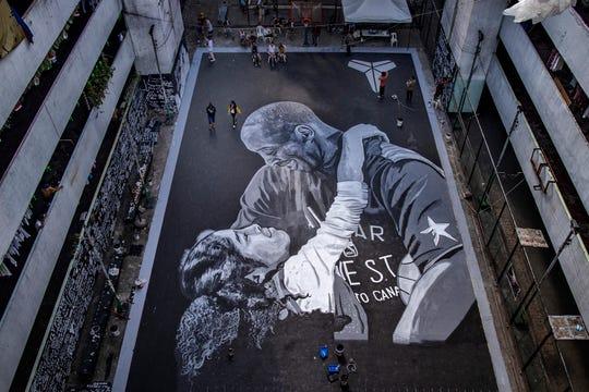 En Filipinas elaboraron un gigantesco mural en honor a Kobe Bryant y su hija Gianna Maria.