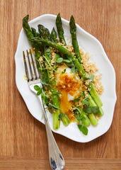 The asparagus appetizer at Hotel Kinsley's Restaurant Kinsley.