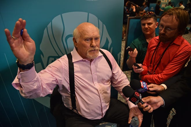 Terry Bradshaw is turning 72.