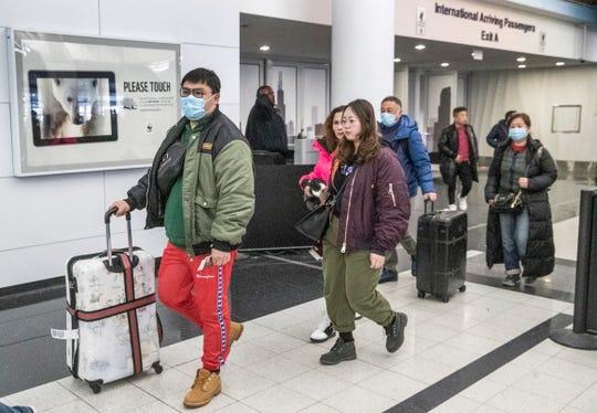 El aeropuerto de Chicago recibe viajeros procedentes de China.