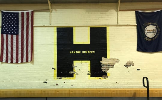 Wayne Oakley played for the Hanson High School Hunters. The gym where he scored a state-record 114 points is now part of Hanson Elementary.