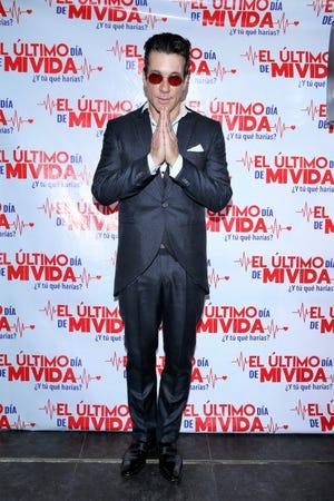 Fernando Carrillo está cansado de que lo calumnien, demandará a revista que lo relaciona en trío con transexual.
