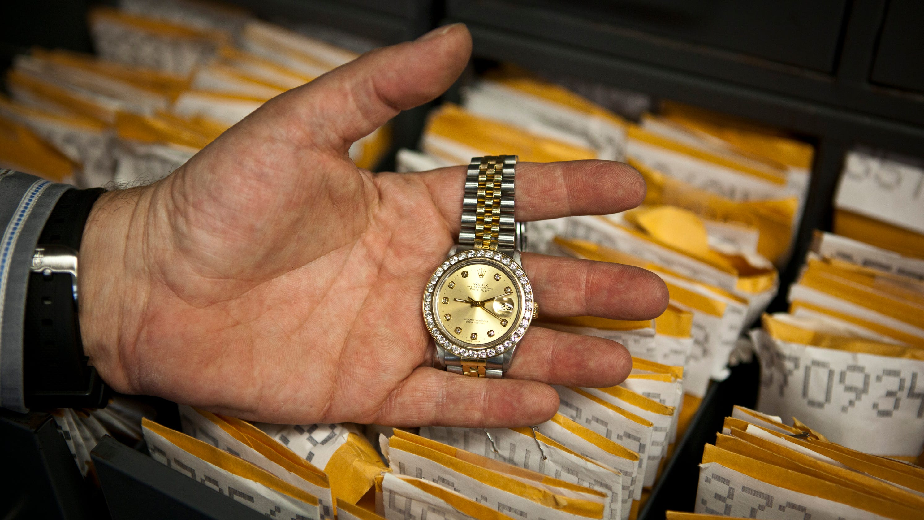 'Antiques Roadshow' guest learns his $345 Rolex is worth ...