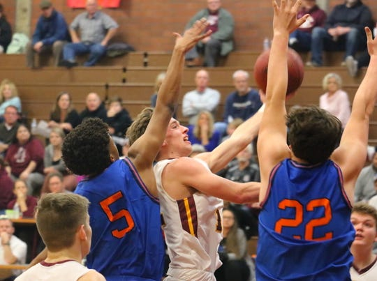 South Kitsap's Eli Mackie led the Wolves with 16 points in Wednesday's win over Graham-Kapowsin.