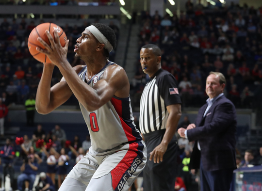 Blake Hinson sets up to shoot in an Ole Miss basketball game.