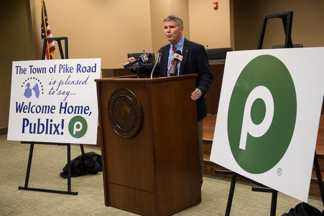 Pike Road Mayor Gordon Stone announces the development of a Publix Market at Pike Road Town Hall in Pike Road, Ala., on Thursday, Jan. 30, 2020.