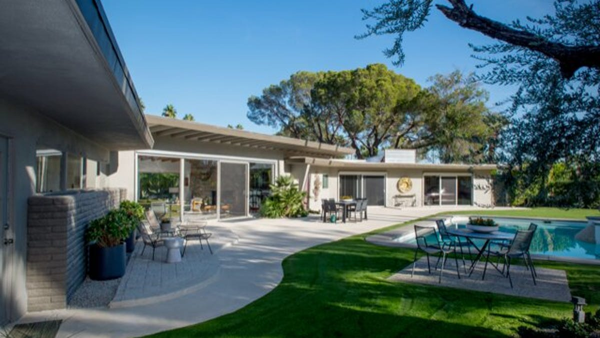 Palm Springs gives historic status to Lawrence Welk residence