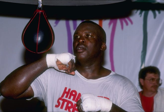 25 Sep 1990: James (Buster) Douglas trains at The Mirage Hotel in Las Vegas, Nevada.