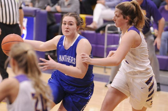 Southeastern's Skylar Hice drives the ball into a lane during a 47-37 loss to Unioto on Thursday Jan. 30, 2020 at Unioto High School in Chillicothe, Ohio.
