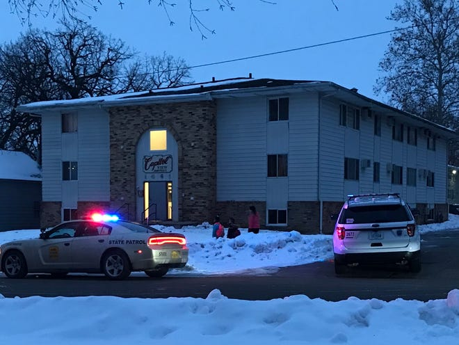 Des Moines police and the Iowa State Patrol swarmed an east Des Moines apartment after a police officer requested assistance in a violent altercation.