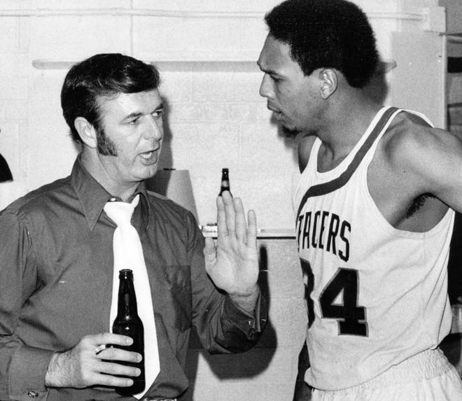 Indiana Pacers coach Bob Leonard with Mel Daniels in 1973