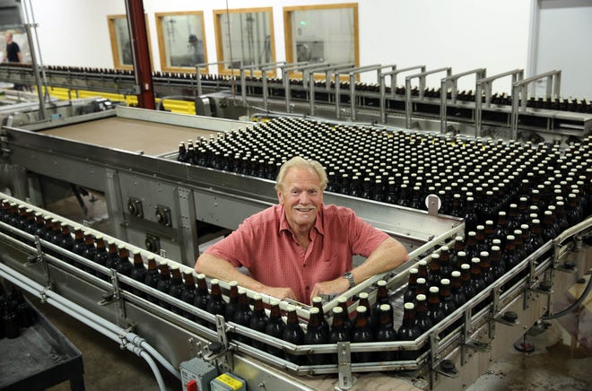 Randy Sprecher, who pioneered this era craft brewing in Milwaukee, has sold Sprecher Brewing to local investors.