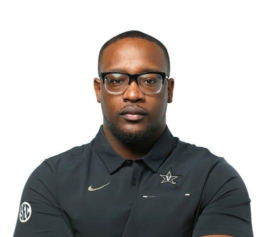 Vanderbilt cornerbacks coach Aaron Henry