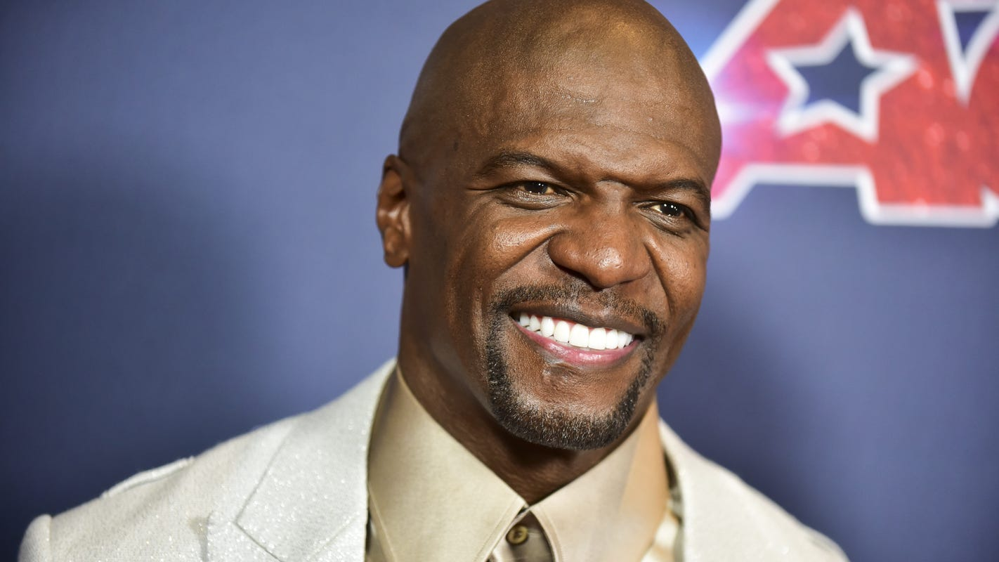 Terry Crews apologizes to Gabrielle Union after backlash for 'AGT' comments thumbnail