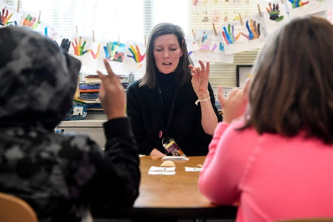 Kate Tregzger leads in a reading exercise January 24, 2020 at Johnston Elementary.