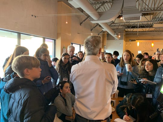 Presidential candidate Joe Walsh speaks to student journalists from Benedictine College in Kansas and KidUnity, a Los Angeles-based civic engagement program.