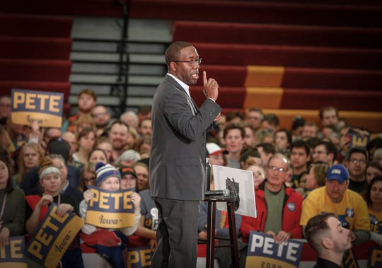 Waterloo Mayor Quentin Hart introduces Democratic presidential candidate hopeful Pete Buttigieg to speak at Des Moines Lincoln High School on Sunday, Feb. 2, 2020.