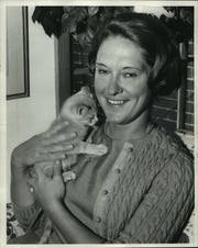 A Milwaukee Journal photo from 1966 shows Mary Ellen Philipp with a kitten named Chester. She had just taken over as president of Friends of Art, the fundraising organization for what was then called the Milwaukee Art Center.