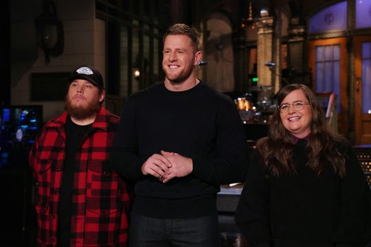 """SATURDAY NIGHT LIVE -- """"JJ Watt"""" Episode 1779 -- Pictured: (l-r) Musical guest Luke Combs, host JJ Watt, and Aidy Bryant during Promos in Studio 8H on Thursday, January 30, 2020 -- (Photo by: Rosalind O'Connor/NBC)"""