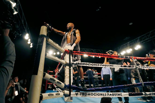 Austin Trout boxes Rosbel Montoya Saturday, Feb. 1, at Inn of the Mountain Gods in Mescalero, N.M. Trout won by second round knockout.