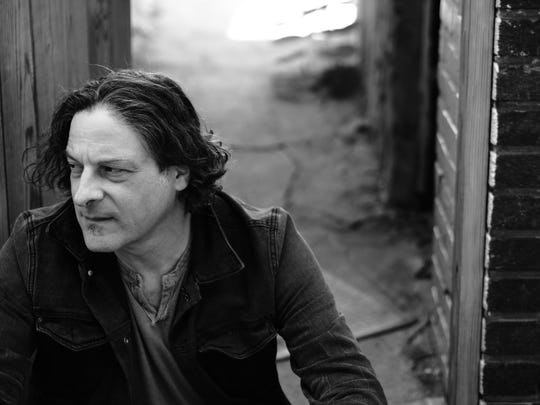 Singer-songwriter Ben Arnold will play the Vestal Museum on Saturday evening.