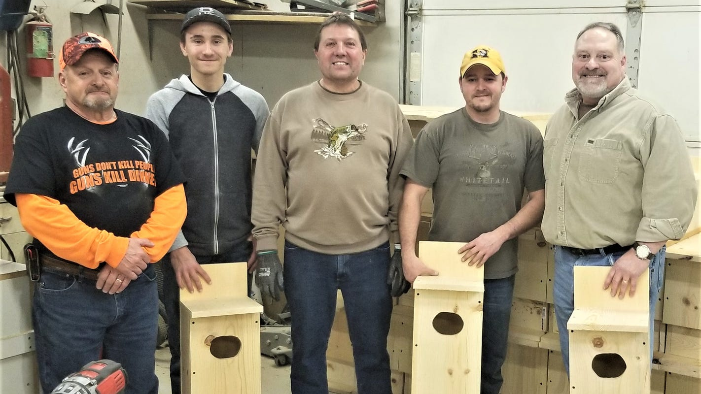Manitowoc outdoors report: Sportsmen's clubs team up to offer wood duck, bluebird houses