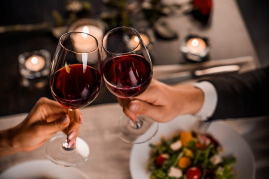 Las Cruces has many offerings for all the love birds out there, from 4-course dinners, a relaxing night of painting and to a night on the town of bubbly and dancing.
