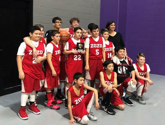 The Carrizozo Junior High basketball team won first place in the Gateway Tournament in Roswell.