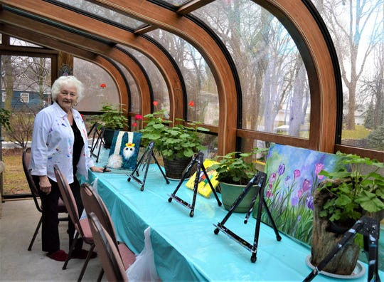 Kathie Widing teaches art classes to students of all levels in her home studio, which has a greenhouse design and a view of Lake Erie.