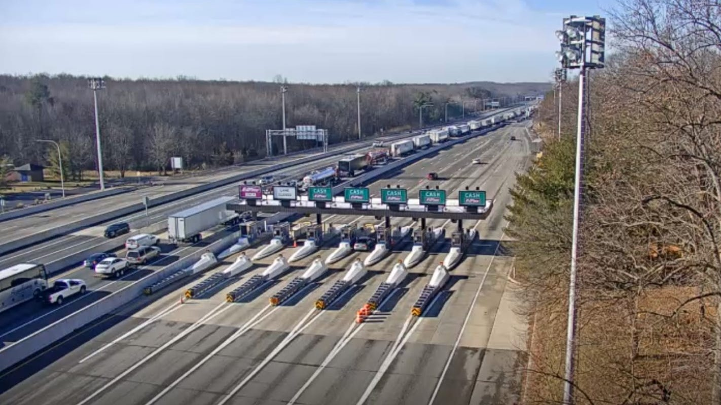Delaware's toll plazas resume cash collection