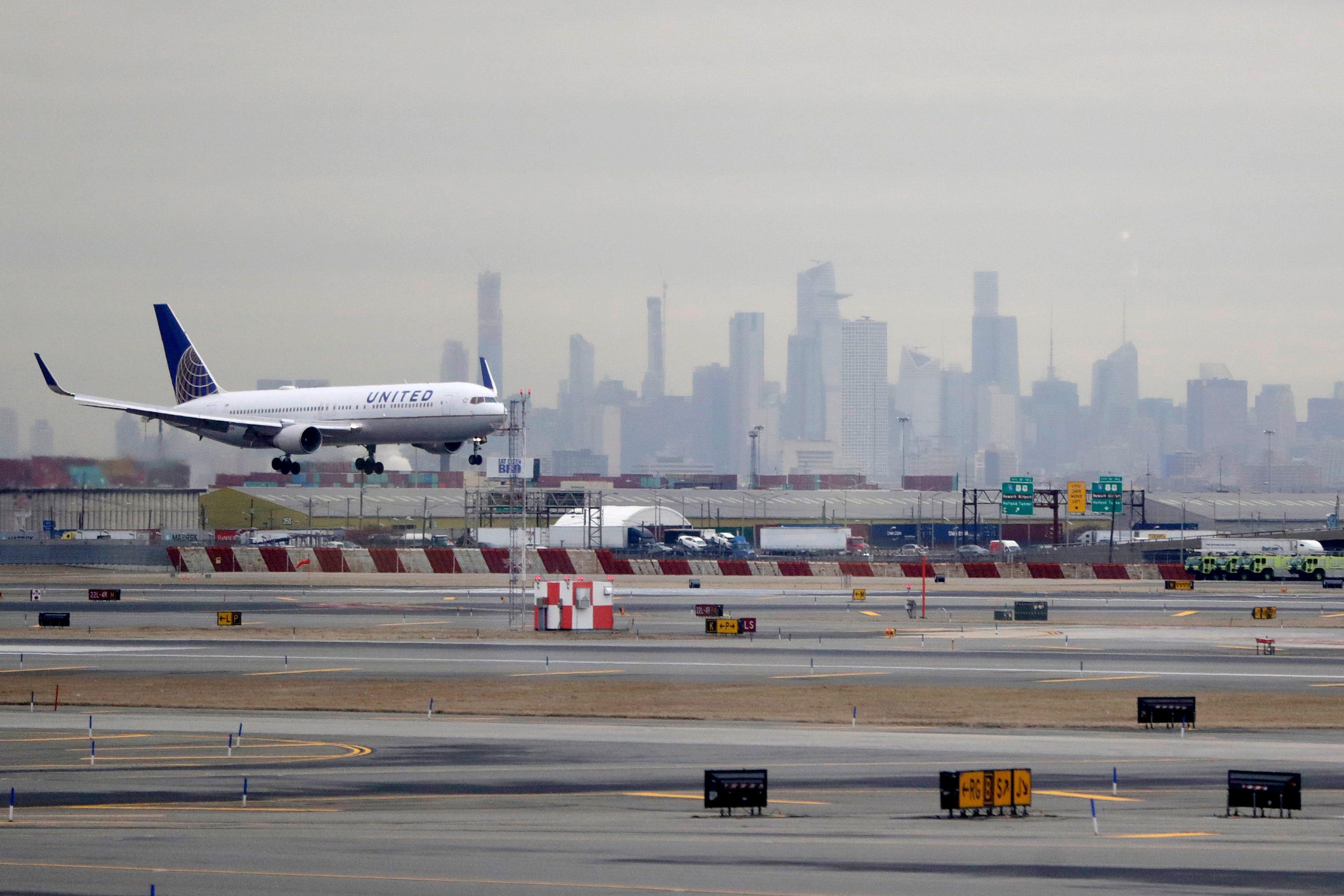 Coronavirus Full United Flight Leaves Passengers Scared Shocked